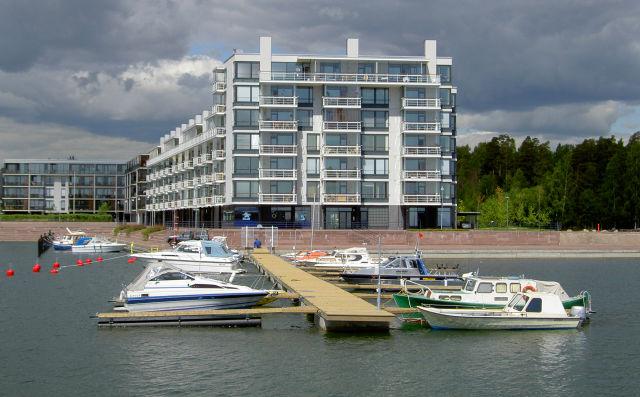 Betoniponttonilaituri Helsinki.jpg