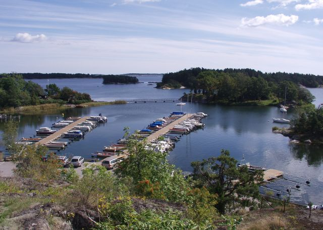 Harbour satamalaituri, Källvik, Ruotsi.jpg