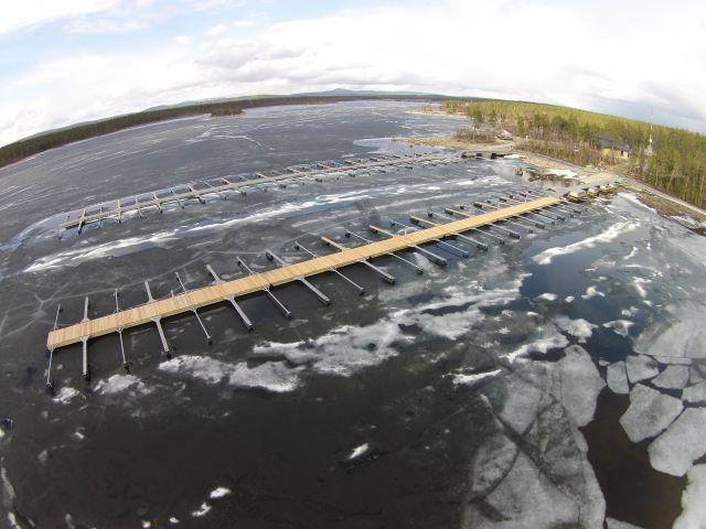 Murmansk venelaiturit.jpg